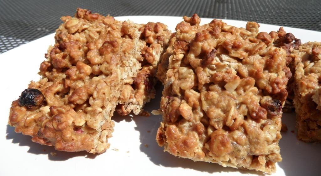עוגיות גרנולה קנאביס, גרנולה, חטיף גרנולה, עוגיות קנאביס, Granola bar