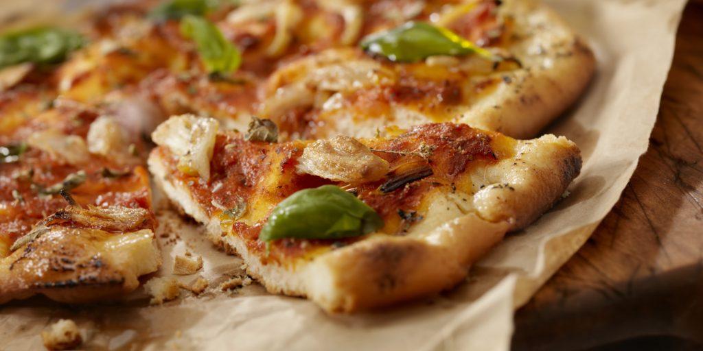 פיצה עם קנאביס