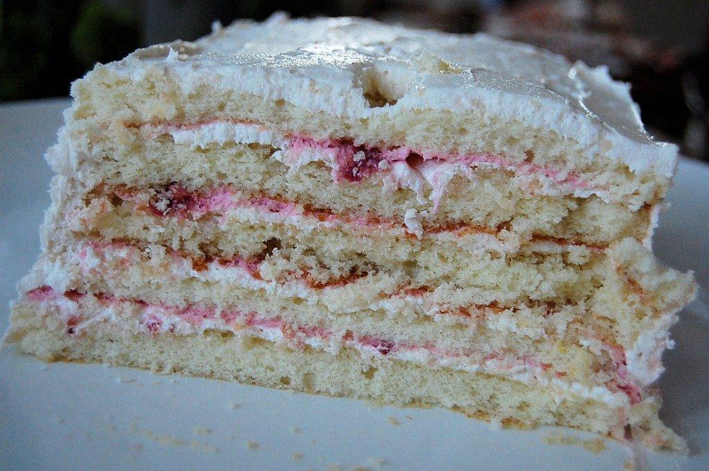 עוגת קרם וניל עם תותים